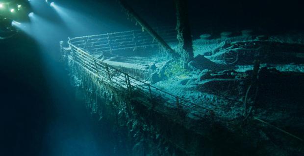 sunken-Titanic